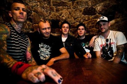 Punkrock okořeněný skotskými dudy přivezou Pipes and Pints