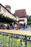 Kotnov fest s Timem Burtonem a písničkáři v čele bojoval s počasím