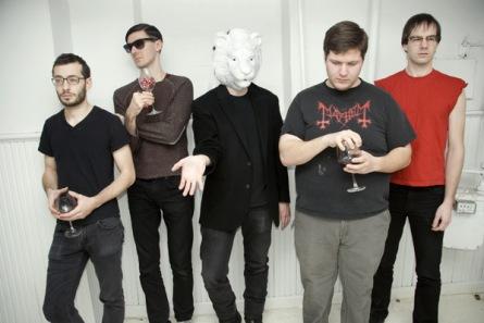 Festival Ostinato přiveze do Budějovic jiné kapely do jiných prostorů. Nyní Extra Life