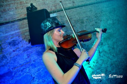 Arctic Violin zmrazila Kotnov. Baťha musel přidávat