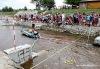 Dramatický závod kachniček přinesl desetitisíce. Ty pomohou handicapovaným