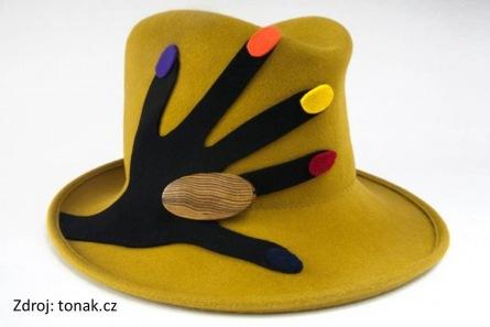 OLIVE SHOW: Klobouky, hučky, čapky nech na hlavě