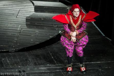 Divadlo o divadle, čarodějkách, lásce a chamtivosti