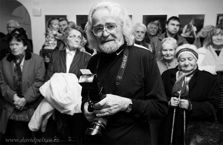 Renomovaný fotograf Jára Novotný vzpomíná. Ukazuje cirkus, muziku i ženy