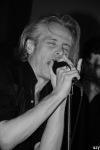Legendární kapela Gallon Drunk hrála pro herce Jiřího Hrzána. Vybrala pět tisíc