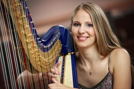 Harfistka Barbora Plachá: Neberte vážnou hudbu tak vážně!