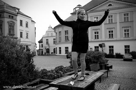 Oswald Schneider hýbali Tavernou na náměstí. Ivana tančila i na stole