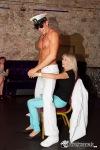 V Kotnově si ženy užívaly se striptéry. Ostatním mužům byl vstup do klubu zakázán