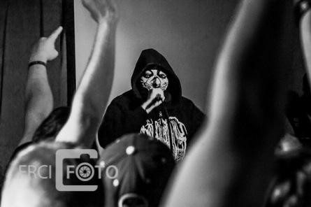 Gutalax a Sodoma Gomora. Budějovice vytleskaly rappera s maskou