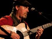 Kytarový mág Dylan Fowler: Lidský hlas považuji za první hudební nástroj