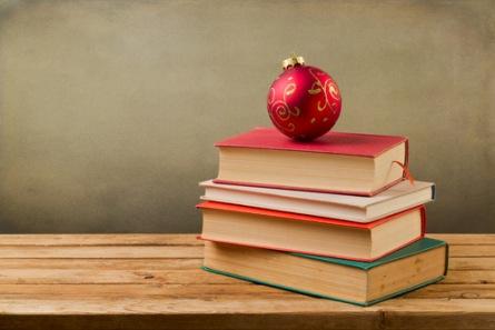 Nevíte si rady s dárky na Vánoce? Darujte knihu! Kulturne.com má několik tipů