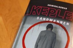 Detektivka Písečný muž čtenáře duševně rozežere