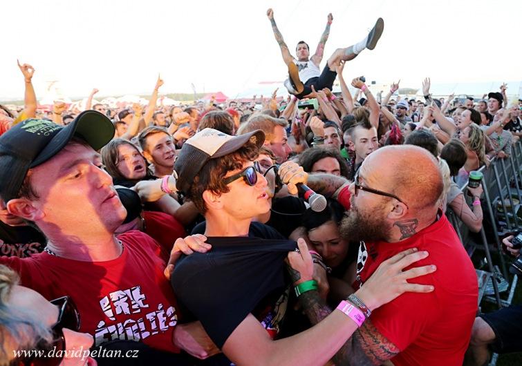 Vstupenky na Mighty Sounds 2016 mizí rychle. Festival láká na Perkele či Casualties