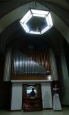 Daly si Bacha na hřbitově a vzkazují: Ať jakákoliv hudba rozezní vaše srdce i duše
