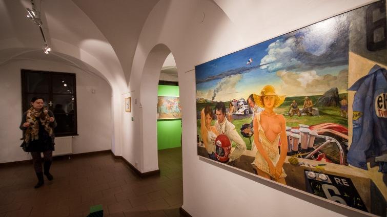 Wortnerův dům obsadily tři nové výstavy. Reflektují sport, stíny života a imaginární tvory