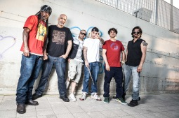 Asian Dub Foundation vystoupí na Mighty Sounds