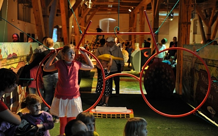 Prácheňská umělecká beseda přiváží mezinárodní výstavu Co zanecháme svým dětem