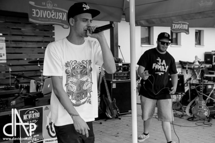 Soutěž o volné vstupy na křest alba Nic velkýho od Jay a Adie