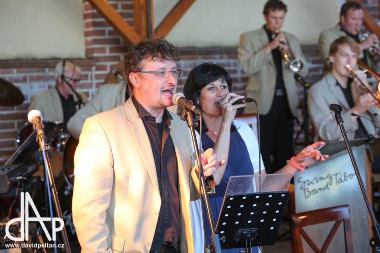Na plesech i na Mighty Sounds. Swing Band Tábor oslaví 30 let novou deskou