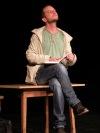 Listování se vrátilo do divadla s knihou Stop Tomáše Poláčka. Pokračuje Lustigem