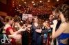 Bílá tílka, červené trenky. Maturanti vrátili návštěvníky plesu do 80. let