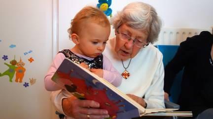 Táborská knihovna hledá fotogenickou babičku. Jiří Grygar přijede mluvit o mimozemšťanech
