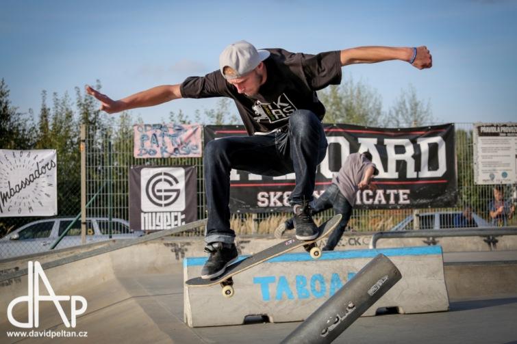 Skate, graffiti a rokenrol. Blíží se patnáctý ročník závodů Taboard Skate Session