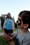 Hendikepované děti zpívaly u teepee i ochutnaly hmyz. V táborské ZOO zažily Noc snů