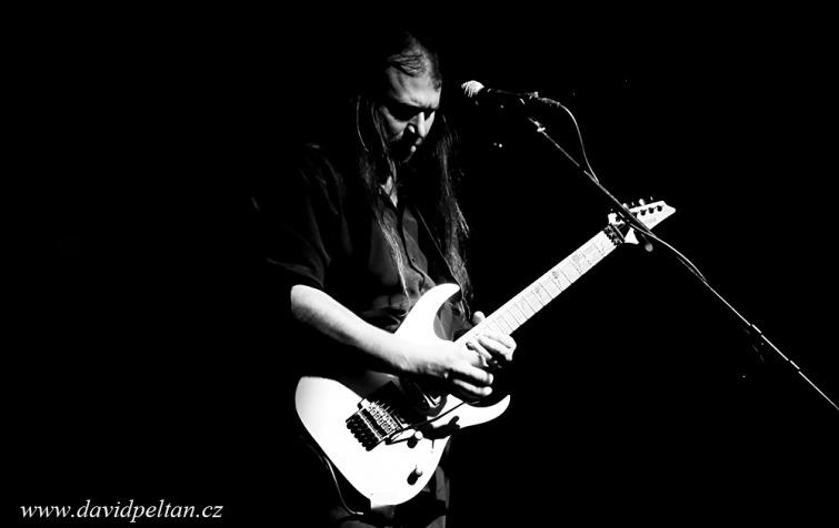 Kdo je nejlepší kytarista v Táboře? Unikátní anketa mezi táborskými kytaristy