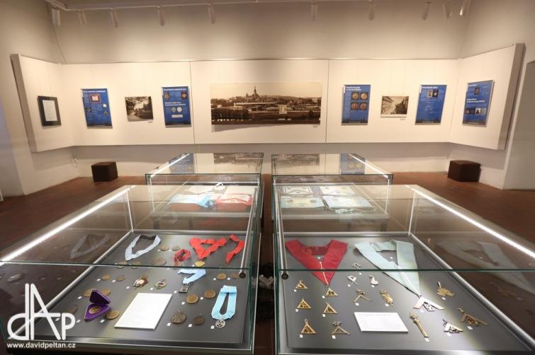 Svobodní zednáři obsadili do června Husitské muzeum. Je mezi nimi starosta i prezident