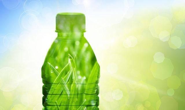 Science Café v Budějovicích rozebere polymery z obnovitelných surovin. Je libo bioPET?