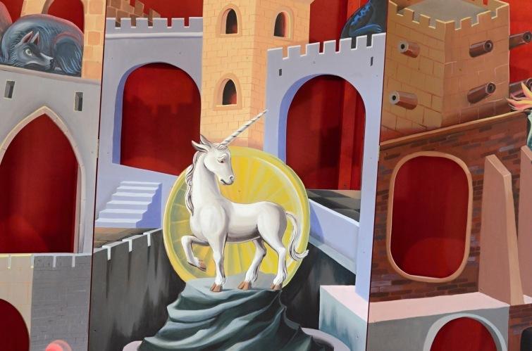 Písecká Sladovna má novou výstavu od Bratrů Formanů. Návštěvníky provede mytologií