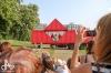 Performerka Satchie Noro tančila na kontejneru. Tanec Praha na jihu Čech pokračuje