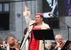 Dagmar Pecková zpívala v uplakaném počasí