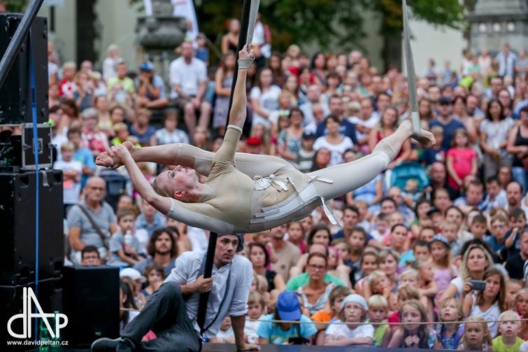 Akce Město lidem, lidé městu pokryje Budějovice trávníkem, dobrotami i cirkusem