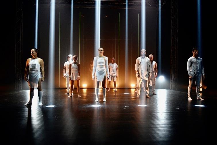 Divadlo Oskara Nedbala pokračuje v oslavách stého výročí republiky. Nabízí i dárky