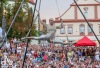 Komedianti, kejklíři a mimové podeváté probudí táborské ulice i náměstí
