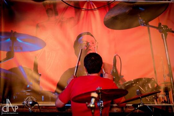 Večer plný hudby. Bubeník Borek Kolibík slavil padesátiny v Garage