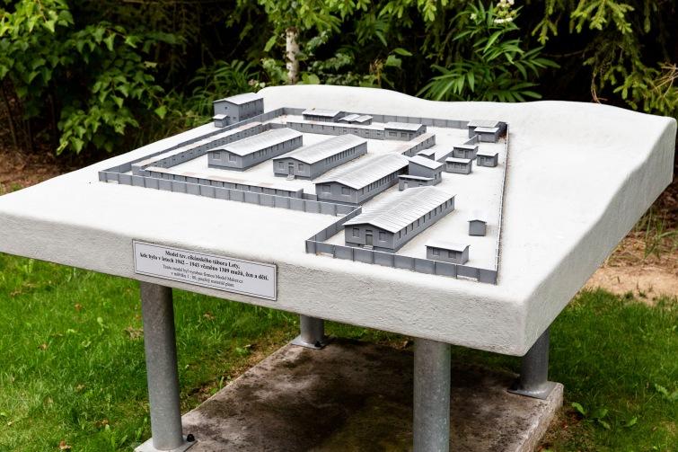 O podobu Památníku holokaustu Romů a Sintů v Letech je velký zájem. Rozhodne se v květnu