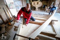 Nadšenci z Bežerovic staví ve stodole Naháče pro Jihočeské muzeum