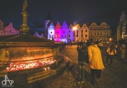 17. listopad si lidé navzdory koronaviru připomněli. Táborem zněla Modlitba i zvony