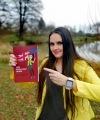 Jak na život v cizině? Humorně poradí ve své první knize Nina Cibulková ze Soběslavi