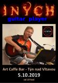 INYCH guitar player v Art Caffe Baru v Týně nad Vltavou
